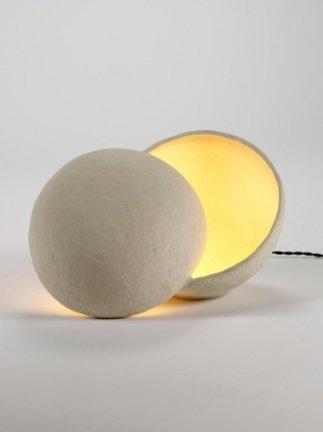 2. Lampe de table papier mâché, Serax