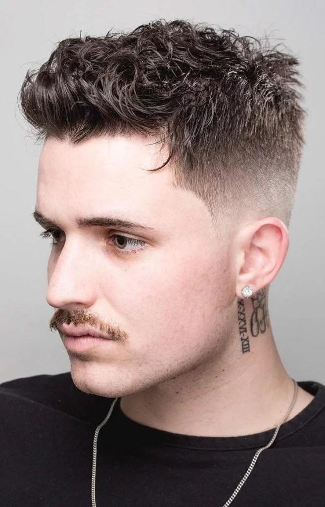 Coiffures Cheveux Bouclés pour Homme 34