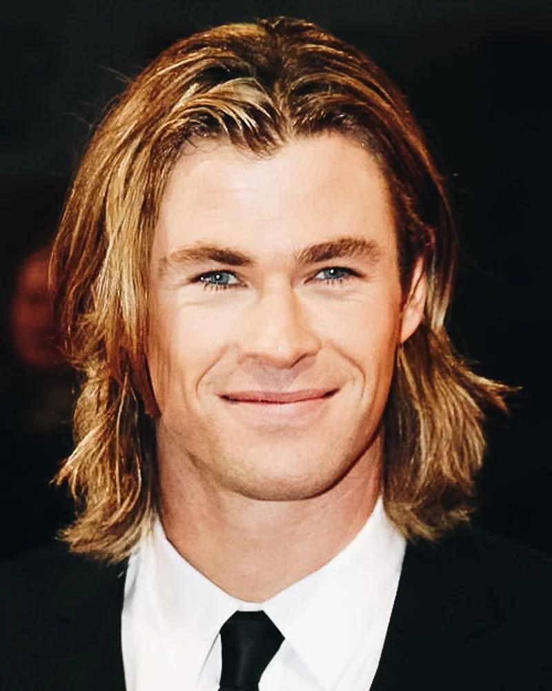 meilleures coiffures mi longues hommes épaules ondulées