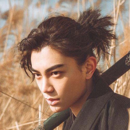 idées de coupes et coiffures pour Homme Asiatique 21