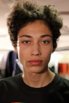 HOMME URBAIN back stage paul smith-17