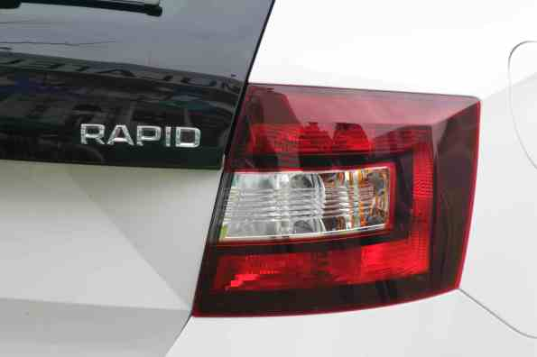 phares rapid space back skoda