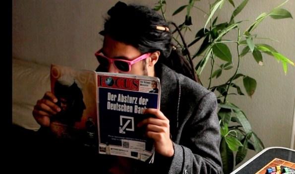 Chris als Spion - Regelerklärvideo Heimlich & Co.