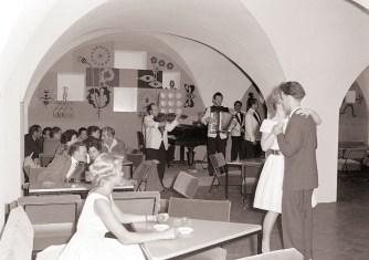 Nočni lokal Dancing v kavarni Astoria leta 1960