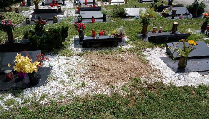 Bivši grobek, Foto: Tanja Jerebic