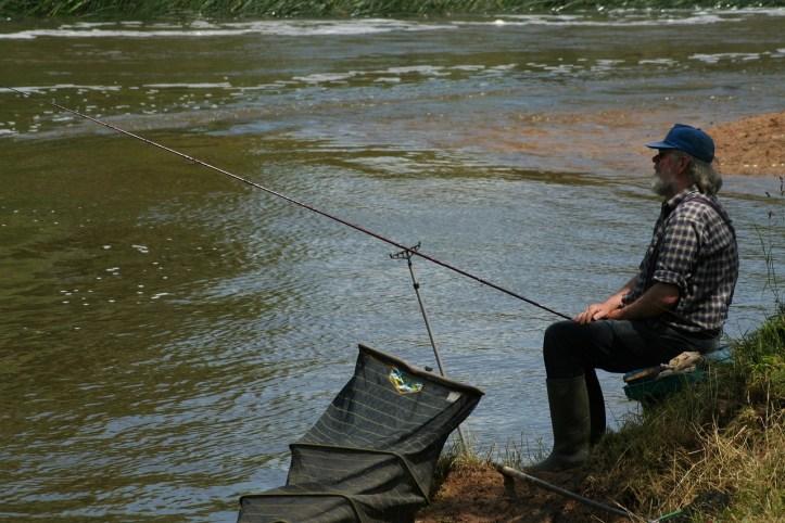 fishing-2706752_1280