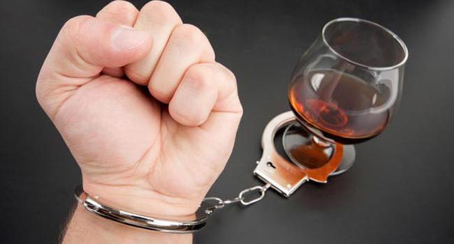 Ilustrasi pecandu alkohol