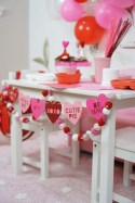 Beautiful Valentine Wall Decor And Color Ideas 42