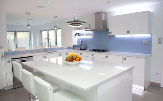 Inspiring Blue And White Kitchen Color Ideas 08