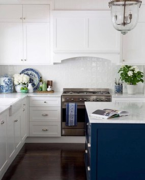 Inspiring Blue And White Kitchen Color Ideas 15