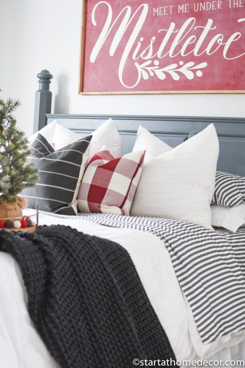 Lovely Winter Master Bedroom Decorations 29