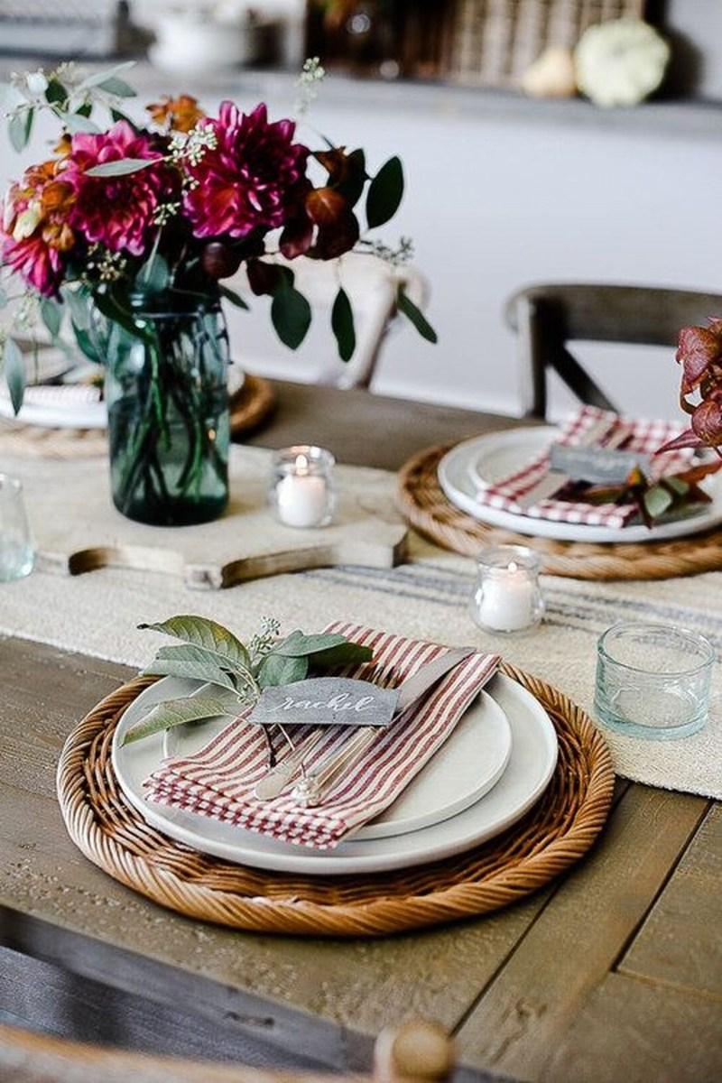 Winter Dining Room Decoration Ideas On Your Table 06