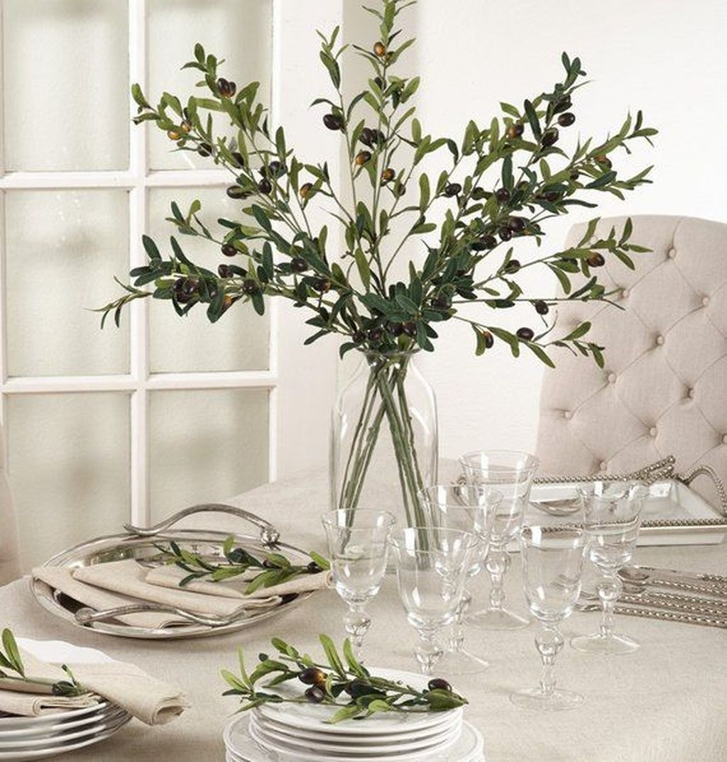 Winter Dining Room Decoration Ideas On Your Table 09