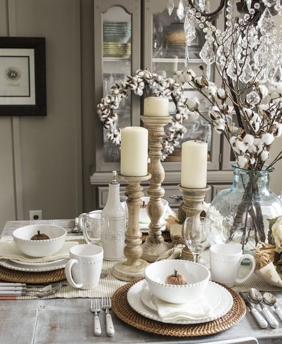 Winter Dining Room Decoration Ideas On Your Table 32