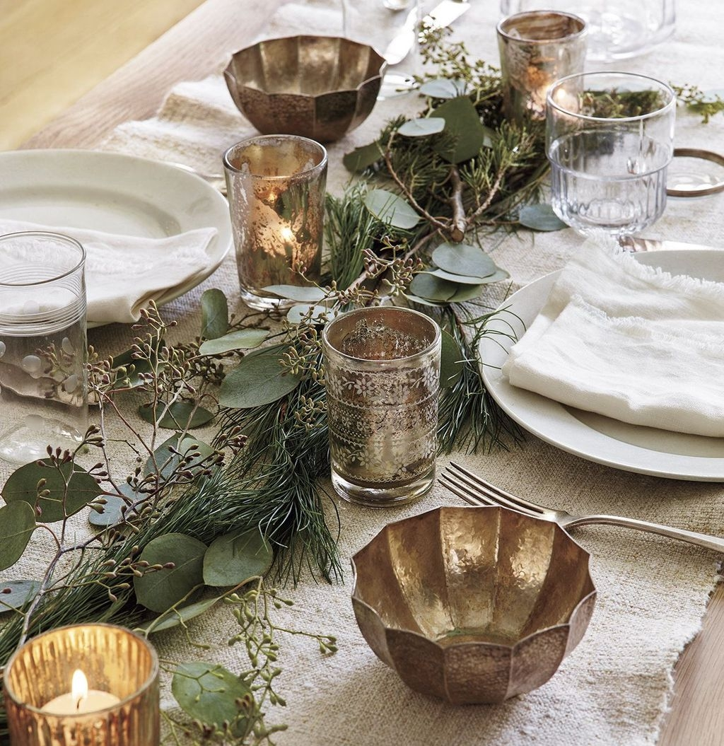 Winter Dining Room Decoration Ideas On Your Table 35