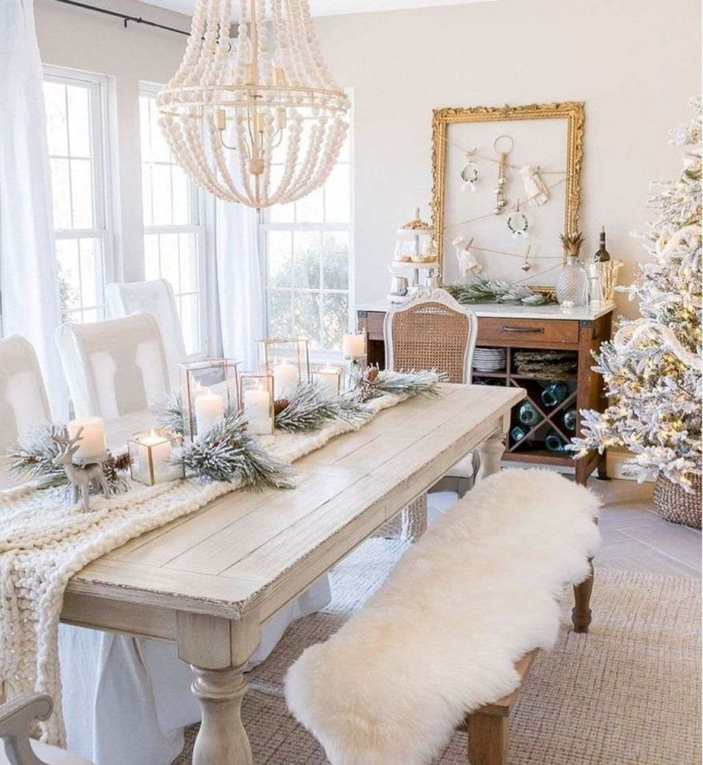 Winter Dining Room Decoration Ideas On Your Table 38