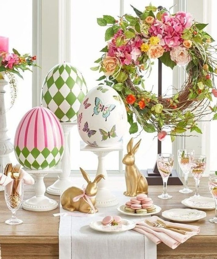 Amazing Bright And Colorful Easter Table Decoration Ideas 14