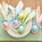 Amazing Bright And Colorful Easter Table Decoration Ideas 16