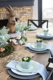 Amazing Bright And Colorful Easter Table Decoration Ideas 44