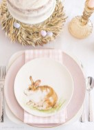 Amazing Bright And Colorful Easter Table Decoration Ideas 46