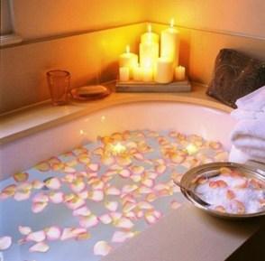 Cute Bathroom Decoration Ideas With Valentine Theme 35