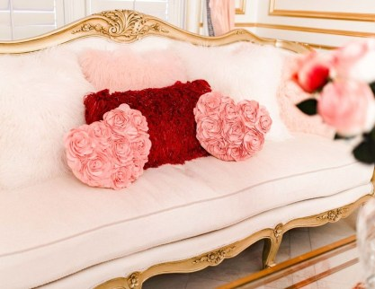Cute Valentine Decoration For Your Living Room 33