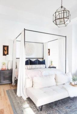 Gorgeous Guest Bedroom Decoration Ideas 30