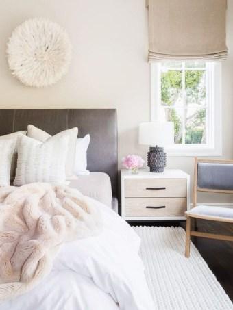 Lovely Valentine Master Bedroom Decor Ideas 42