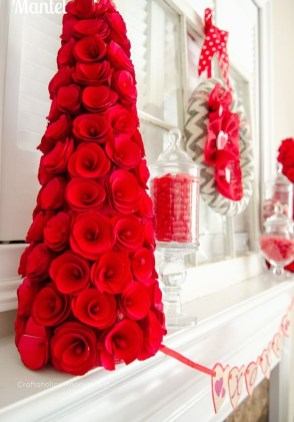 Romantic Valentine Home Decoration Ideas To Warm Your Relationship 32