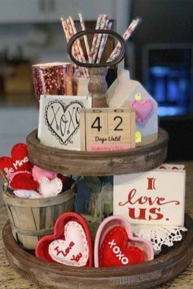 Romantic Valentine Home Decoration Ideas To Warm Your Relationship 33