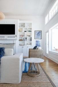 Stunning Coastal Living Room Decoration Ideas 03