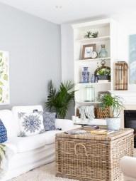 Stunning Coastal Living Room Decoration Ideas 24