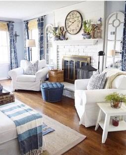 Stunning Coastal Living Room Decoration Ideas 35