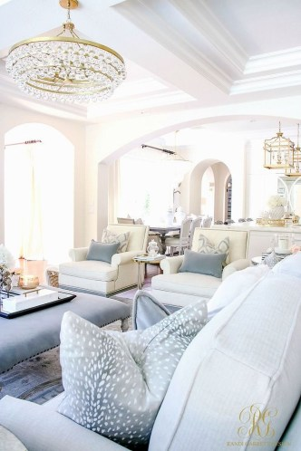 Stunning Family Friendly Living Room Ideas 34
