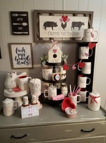 Stylish Valentines Day Home Decor Ideas 07