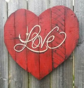 Stylish Valentines Day Home Decor Ideas 24
