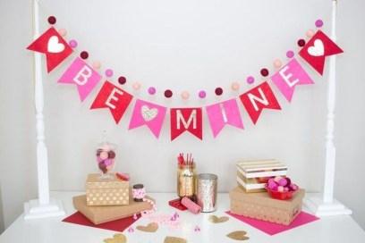 Stylish Valentines Day Home Decor Ideas 27