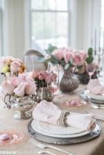 Stylish Valentines Day Home Decor Ideas 36