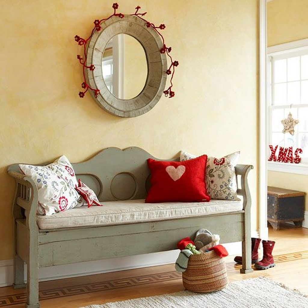 Sweet Living Room Decor Ideas With Red Color For Valentines Day 19