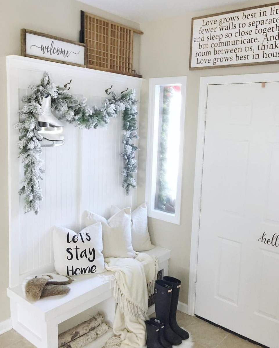 The Best Winter Entryway Decor Ideas 01