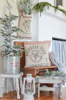 The Best Winter Entryway Decor Ideas 08