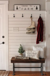 The Best Winter Entryway Decor Ideas 12