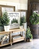 The Best Winter Entryway Decor Ideas 16
