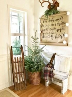 The Best Winter Entryway Decor Ideas 17