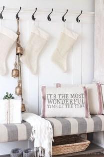 The Best Winter Entryway Decor Ideas 19