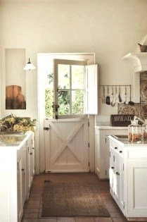 Totally Inspiring Farmhouse Kitchen Design Ideas 11