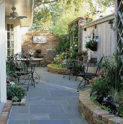 Popular Small Backyard Patio Design Ideas 20