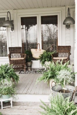 Stunning Spring Front Porch Decoration Ideas 07