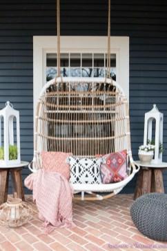 Stunning Spring Front Porch Decoration Ideas 25