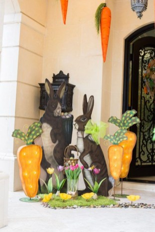 Best Easter Front Porch Decor Ideas 42